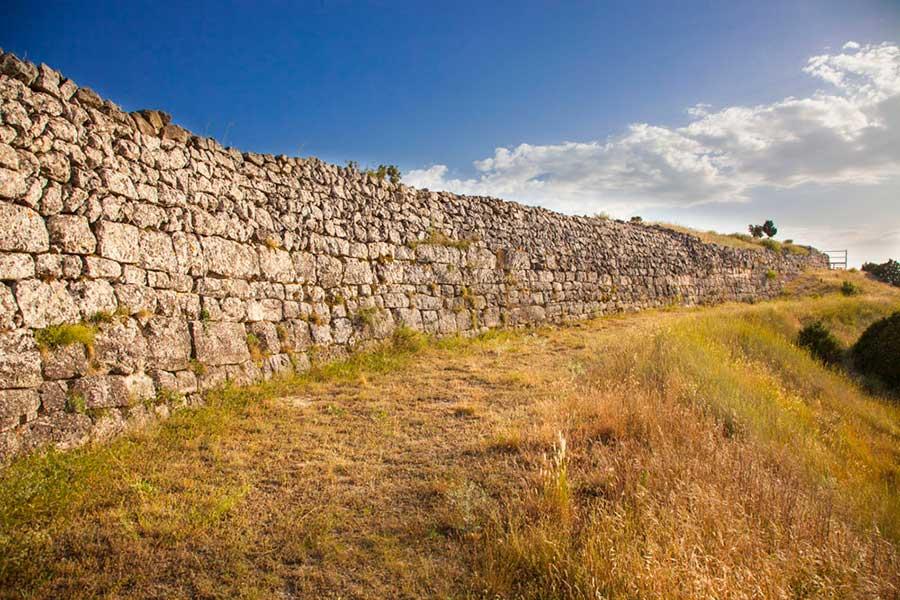4.4--Turismo-cultural_Yacimientos_El-Molón00008-b