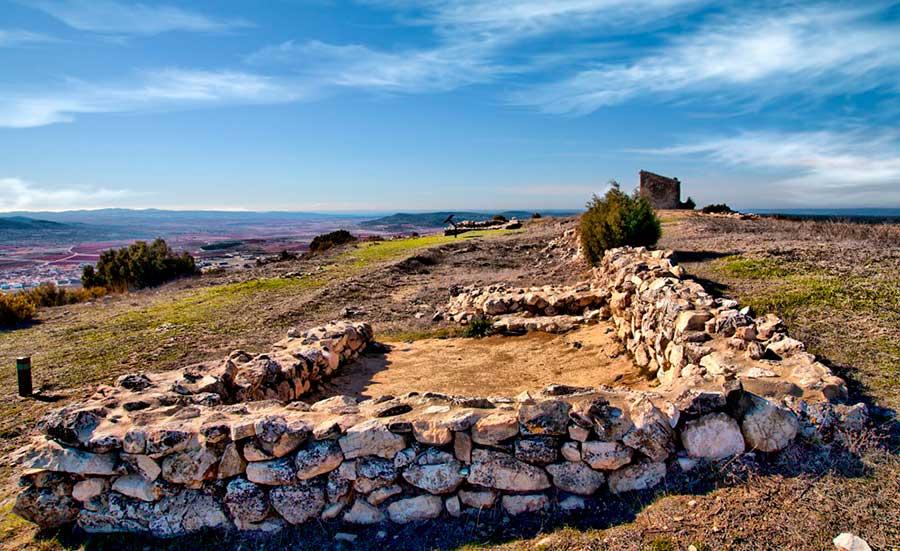 4.4--Turismo-cultural_Yacimientos_El-Molón00013-b