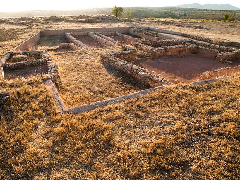 4.4--Turismo-cultural_Yacimientos_Kelin01-b
