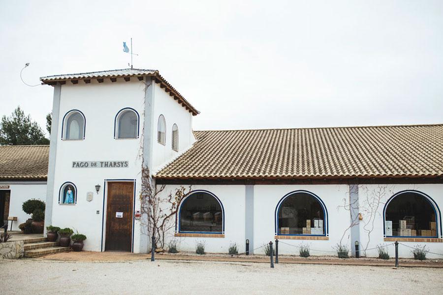 6.2--Turismo-del-vino_Bodegas-Privadas_Pago-de-Tharsys0002-b